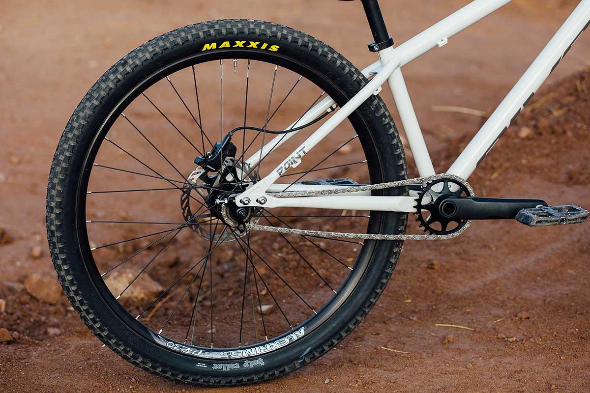 2021 pivot point steel dirt jump bike adjustable rear dropouts chainstay length singles peed or derailleur