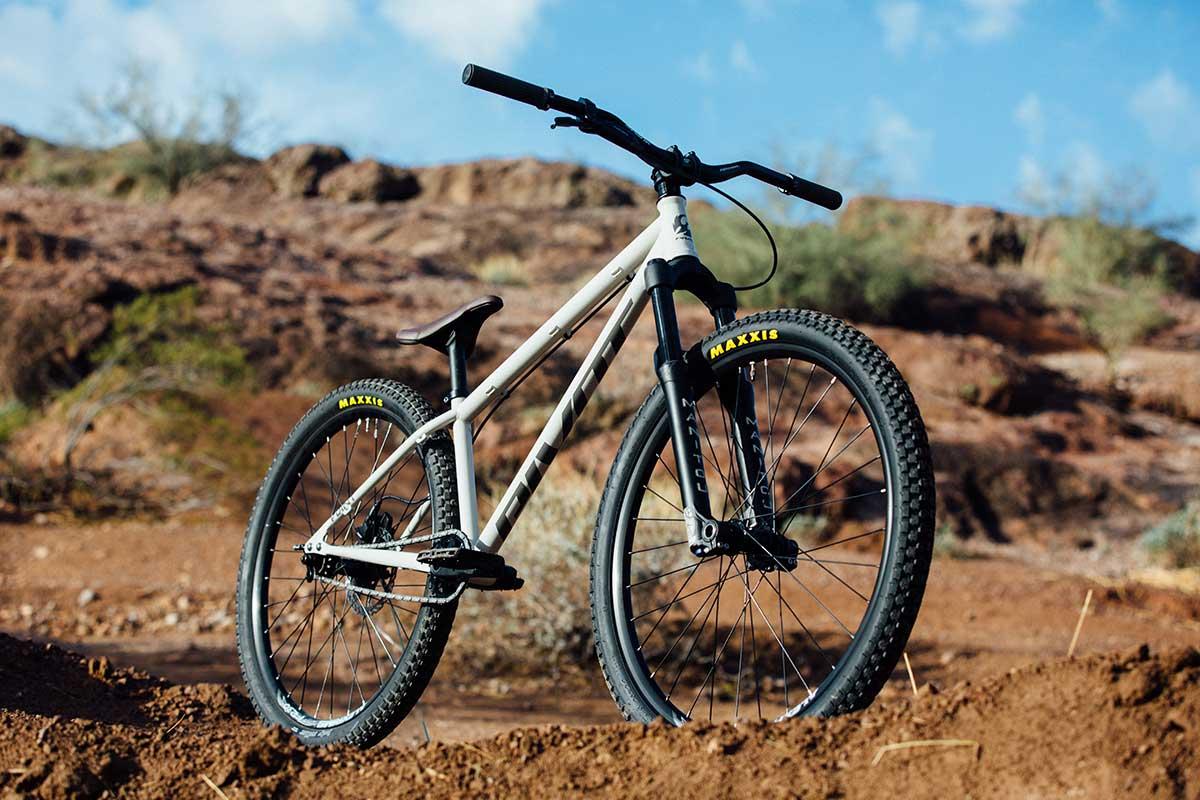 2021 pivot point hardtail mtb 100mm fork dirtjump bike dj park riding