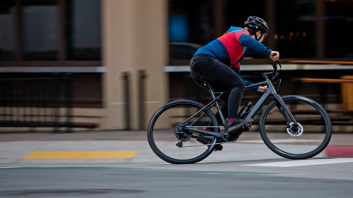 GT Grade Power lightweight, affordable alloy gravel e-bike, Currentcity riding
