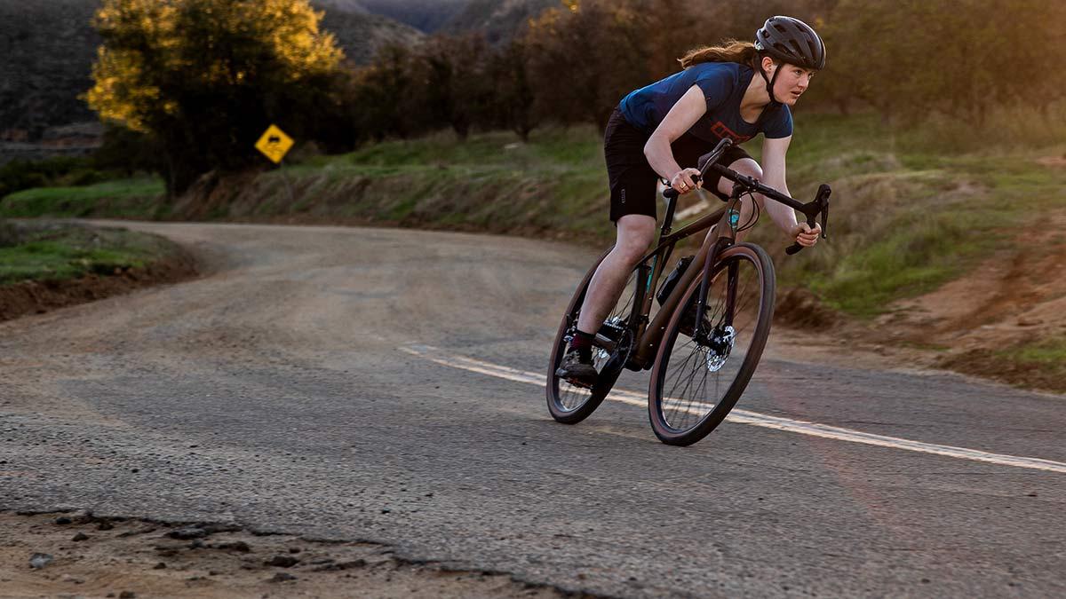 GT Grade Power lightweight, affordable alloy gravel e-bike, Amp gravel riding