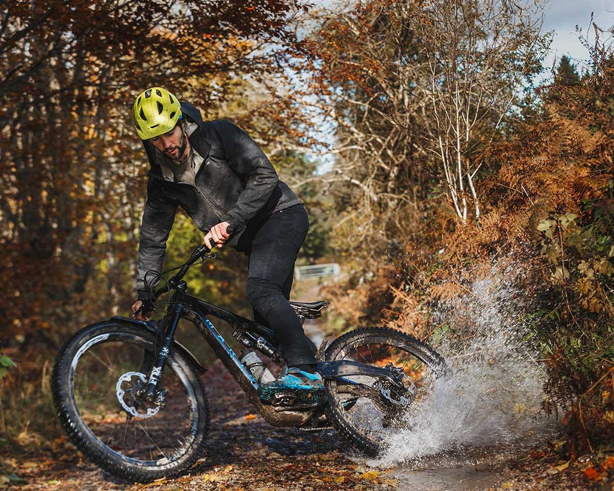 nikki whiles wtb pro rider cuttie puddle splash brecon ountain railway path wales