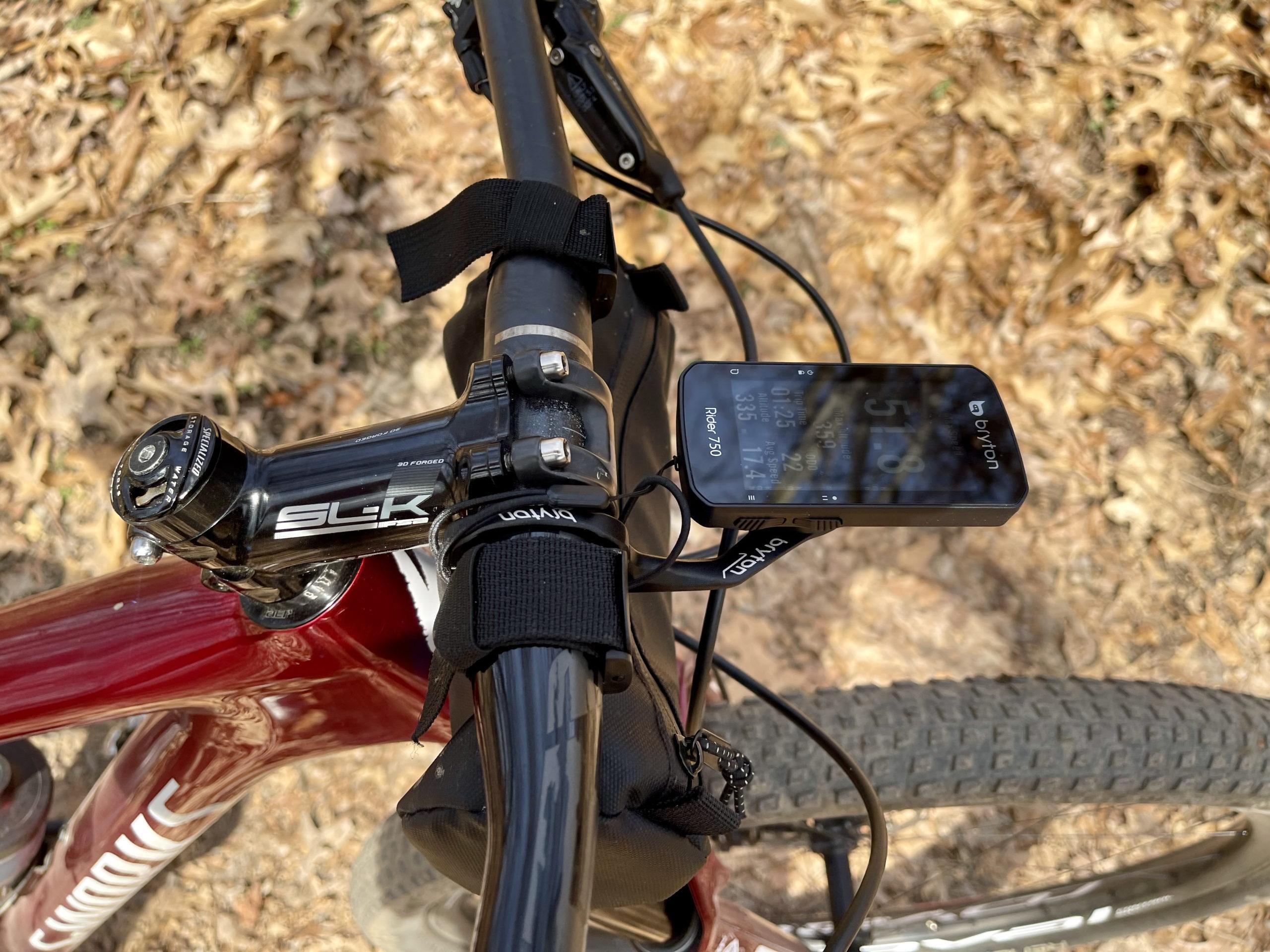 Bryton Rider 750 Review unit close up