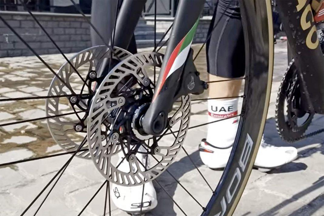 Campagnolo Smart Disc Technology, double disc brake-equipped Colnago V3RS DV road bike, teaser