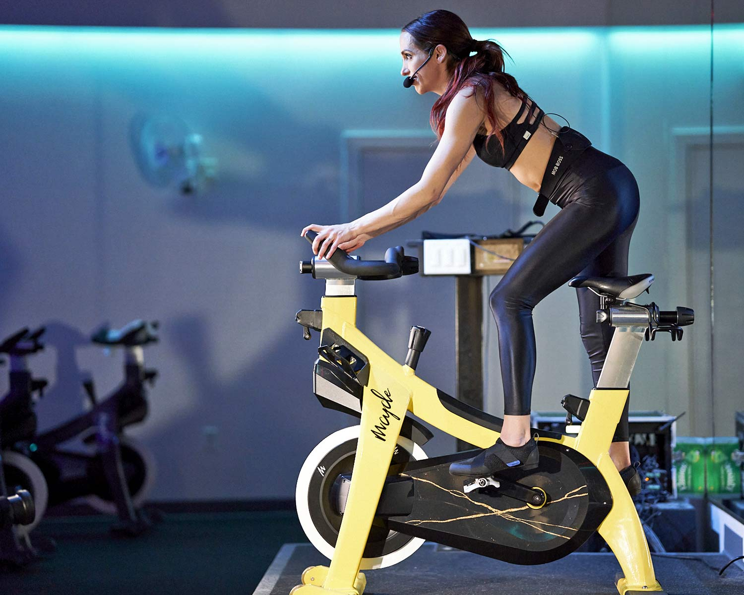 Shimano IC2 walkable indoor cycling spinning shoes, fitness studio
