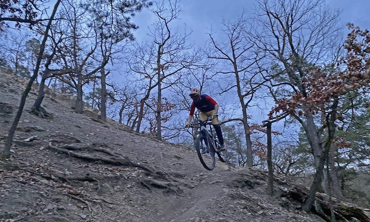 Leatt Velocity 4.0 MTB lighter, vented mountain bike goggles, riding