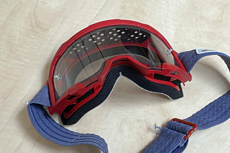 Leatt Velocity 4.0 MTB lighter, vented mountain bike goggles