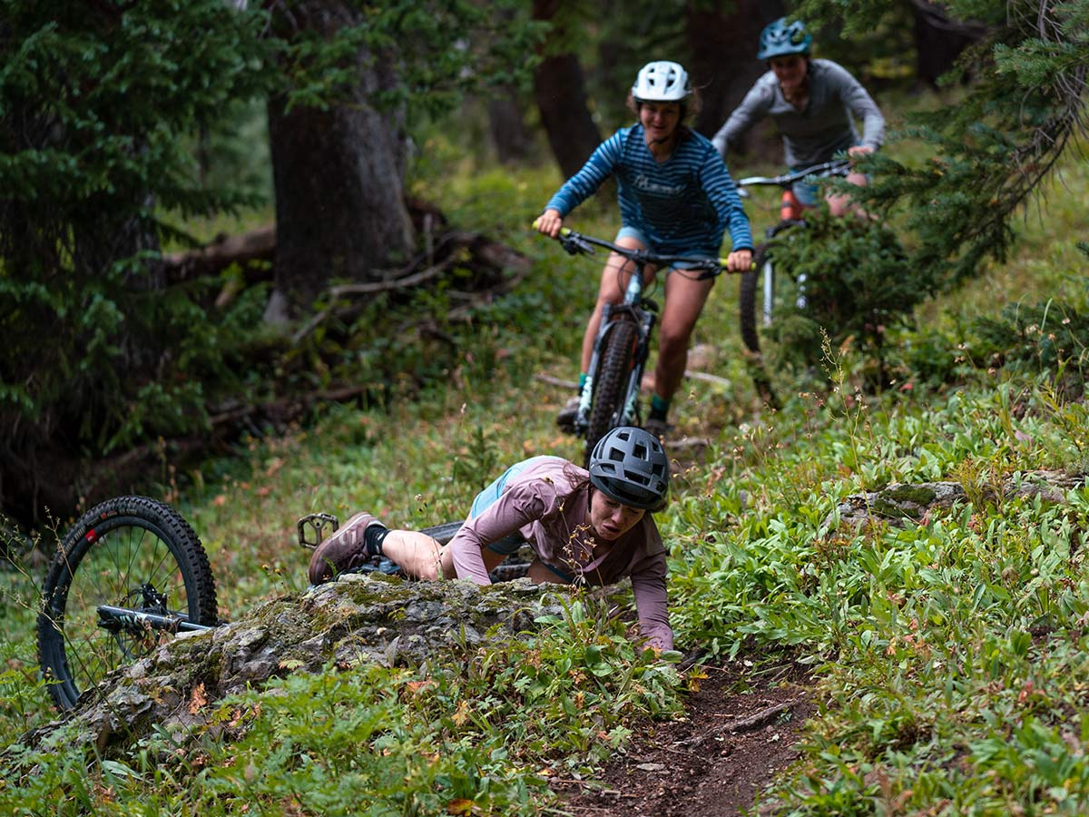Girls Gotta Eat Dirt crash c. Ripton & Co, ride photos by Jack Plantz