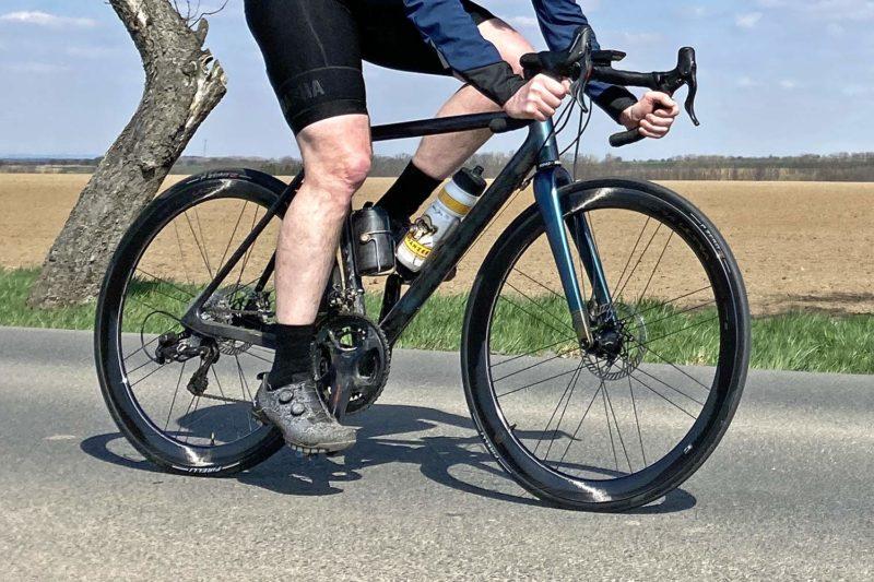 Review: new 2021 Campagnolo Bora Ultra WTO 45 aero carbon disc brake road bike wheels, riding