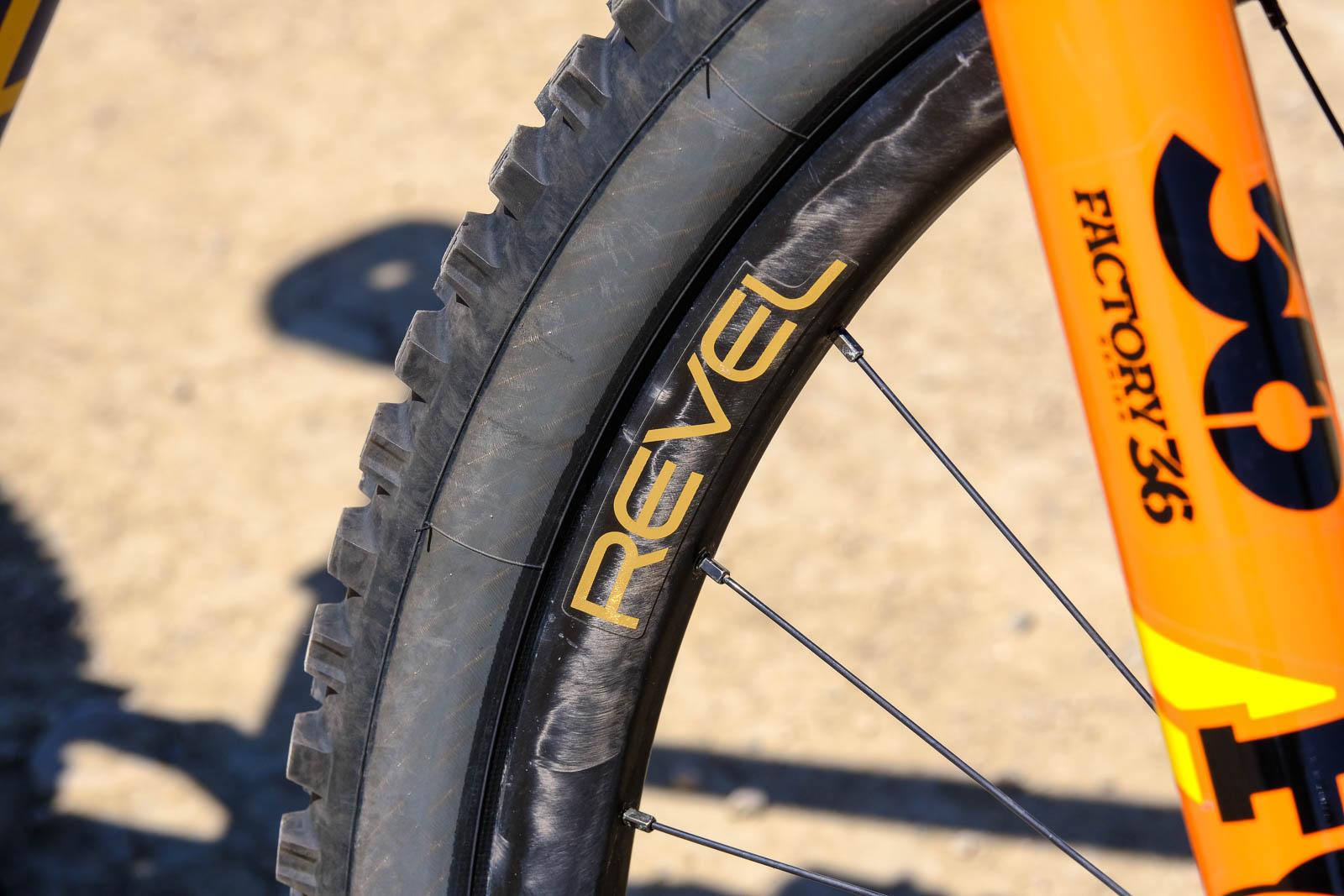 Revel's recyclable RW30 carbon mountain bike wheels