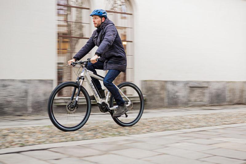 Blubrake e-bike ABS system, rider on rough path