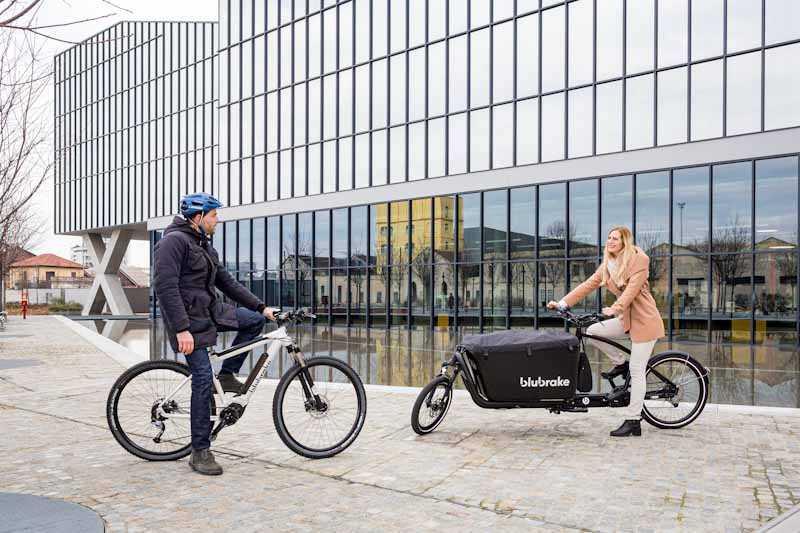 Blubrake e-bike ABS system, two riders