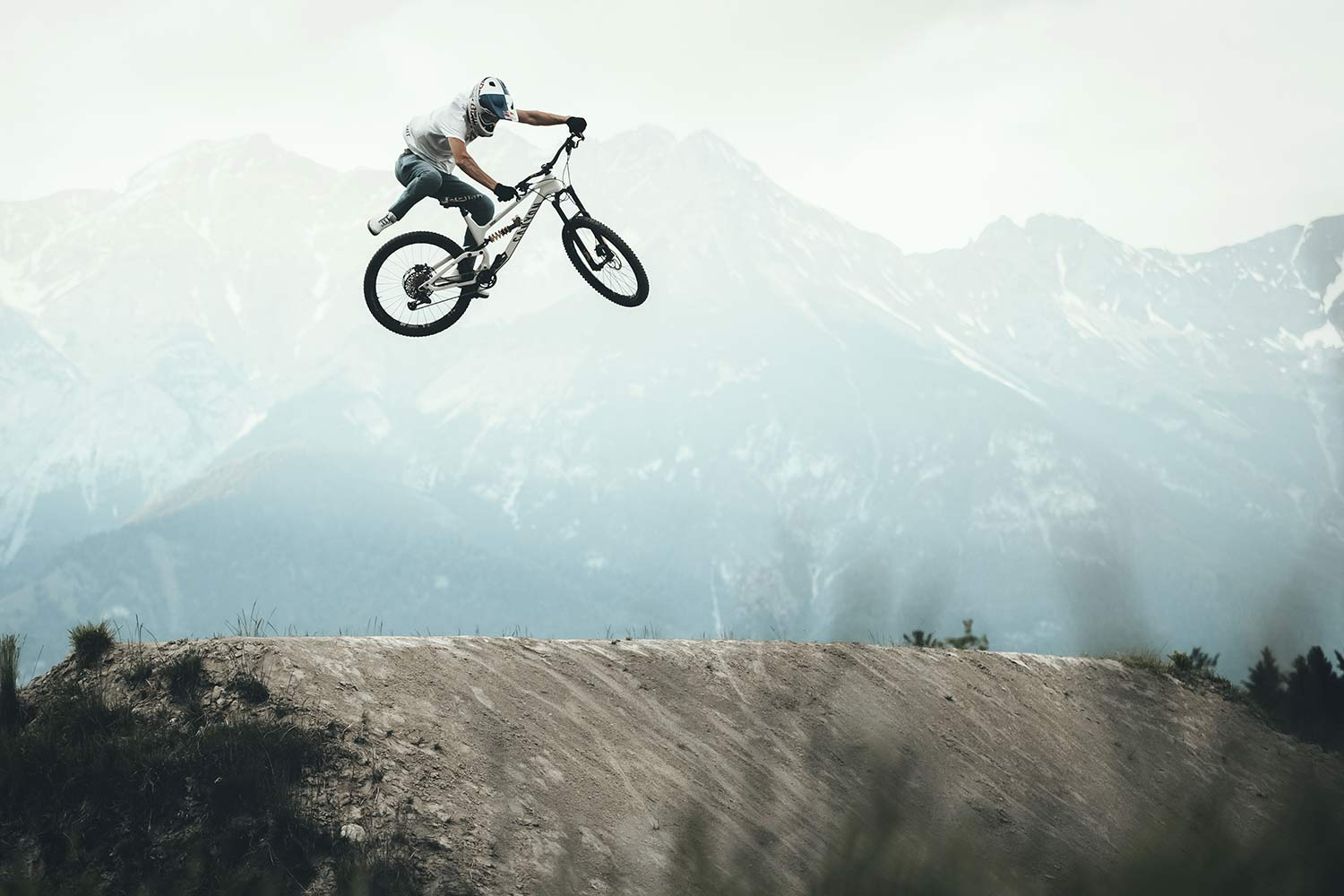 Canyon Torque CF Fabio Wibmer Signature Edition limited pro carbon freeride enduro bike,jump photo by Hannes Berger