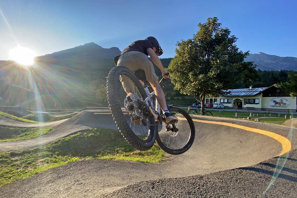 2021 Hunt Trail Wide v2 tougher affordable MTB wheels not heavier, Sam riding