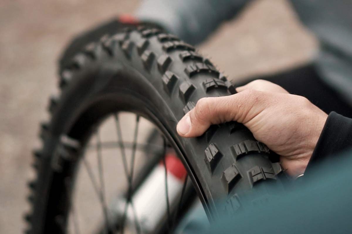 Pirelli Scorpion Gravity Racing prototype EWS, DH-ready mountain bike tires, photos by Julien Pradas,proto tread