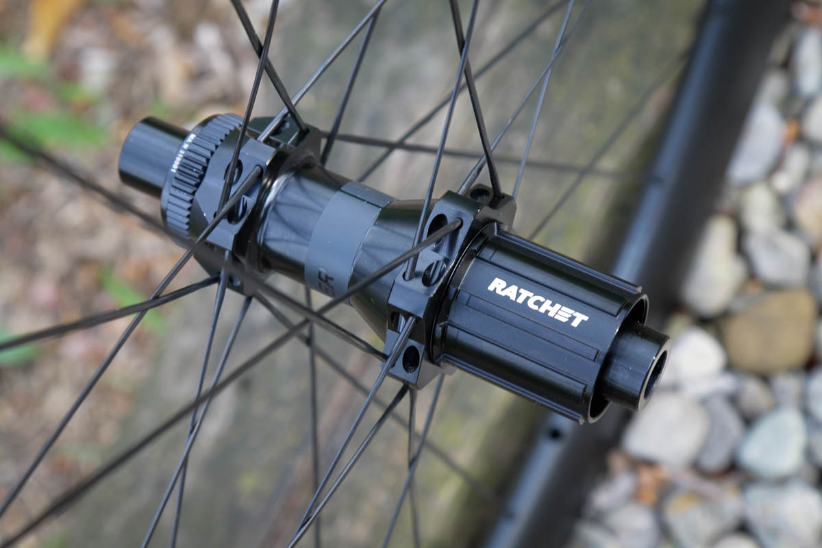 Bontrager Aeolus pro road wheels DT swiss Ratchet hub