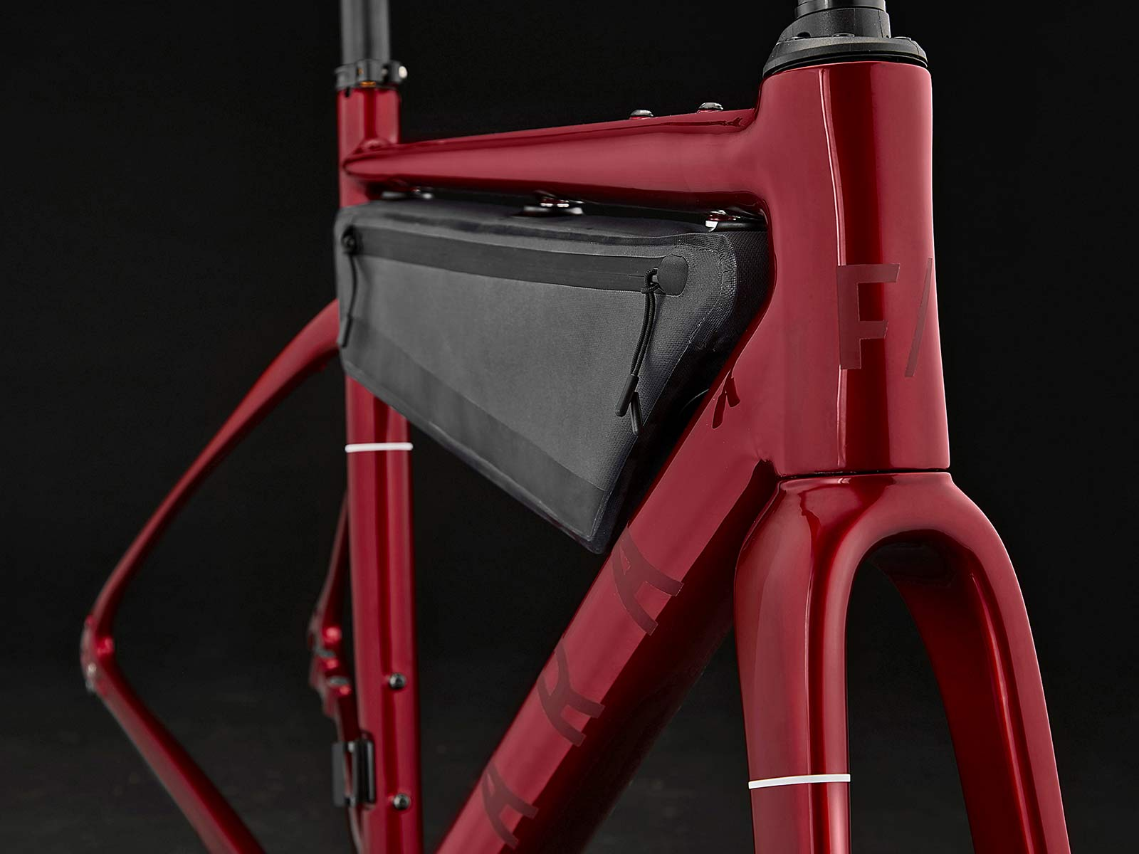 2021 Fara F-AR all-road bike ltd Signature Edition, carbon endurance gravel road bike with integrated bikepacking bags,red detail