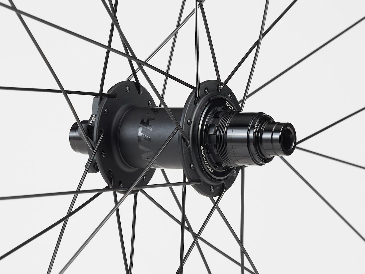 Bontrager Line Comp 30 wheels hub