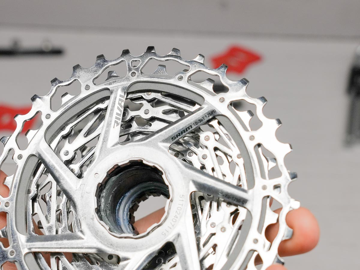 Rival eTap AXS wireless road group actual weight cassette