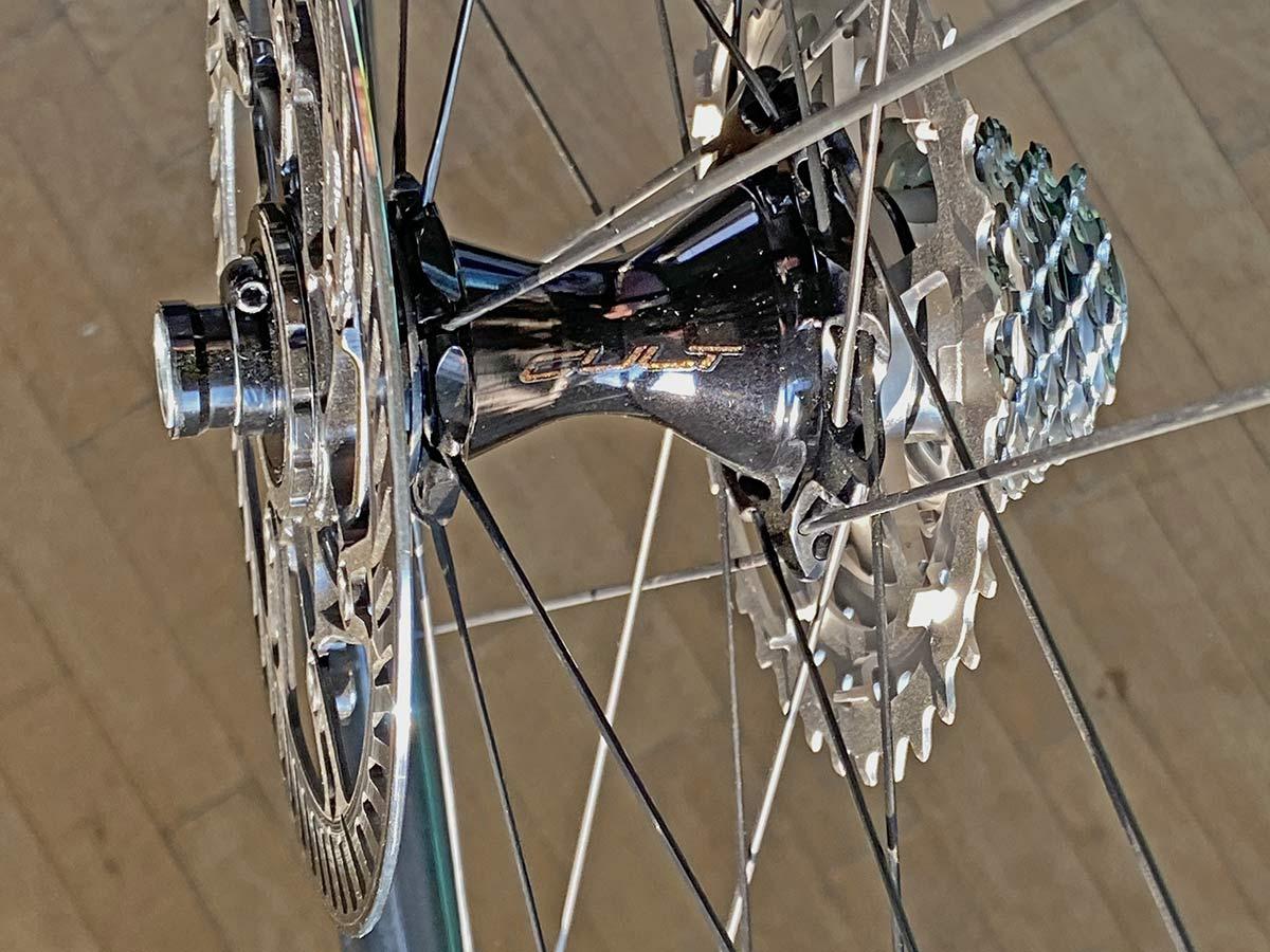 a2021 Campagnolo Bora Ultra WTO aero carbon road bike wheels, alloy rear hub