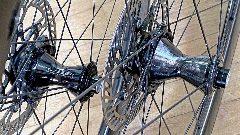 2021 Campagnolo Bora Ultra WTO aero carbon road bike wheels, new carbon vs. old alloy front hub