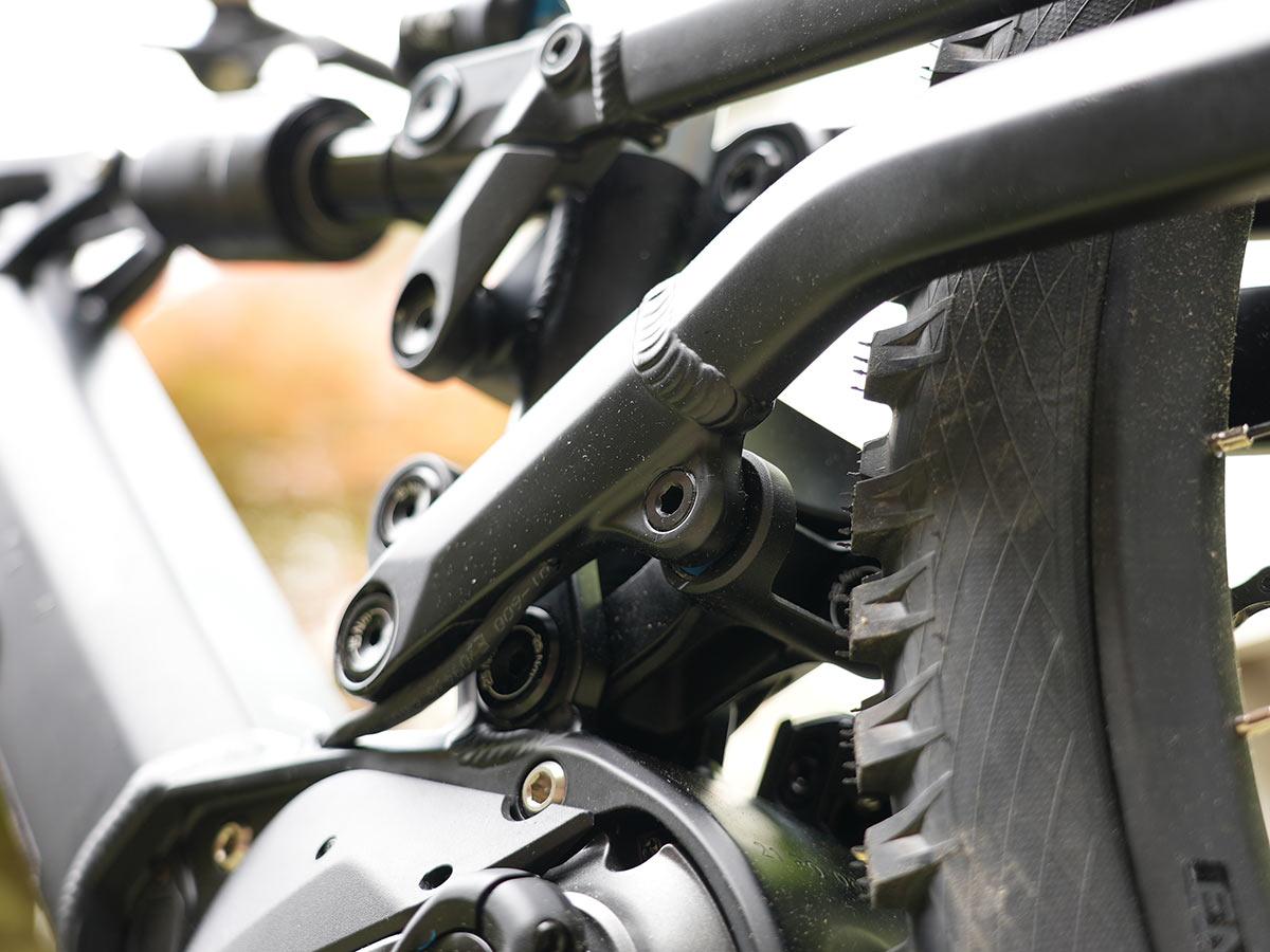 closeup of 6 bar lower linkage on polygon mt bromo