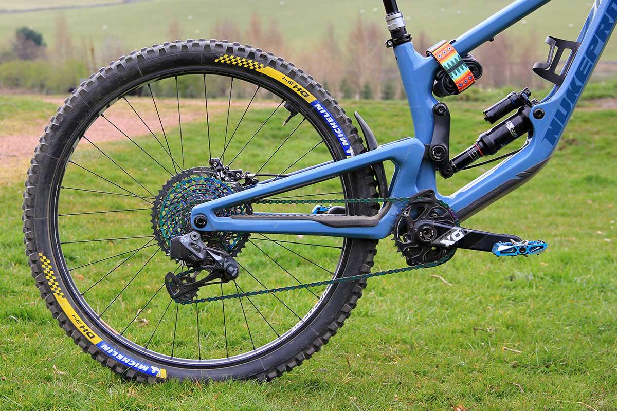 2021 katy winton pro bike check nukeproof giga mullet 650b chainstay swingarm 435mm