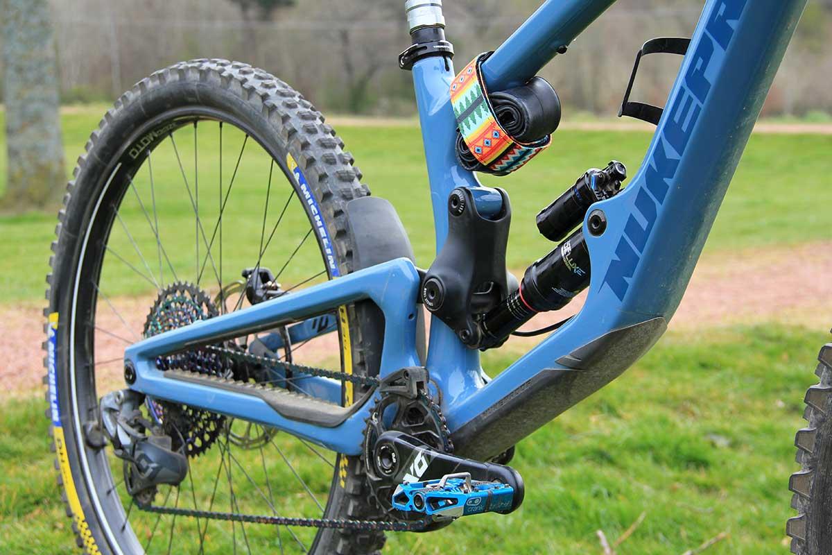 katy winton pro bike check tire pressures