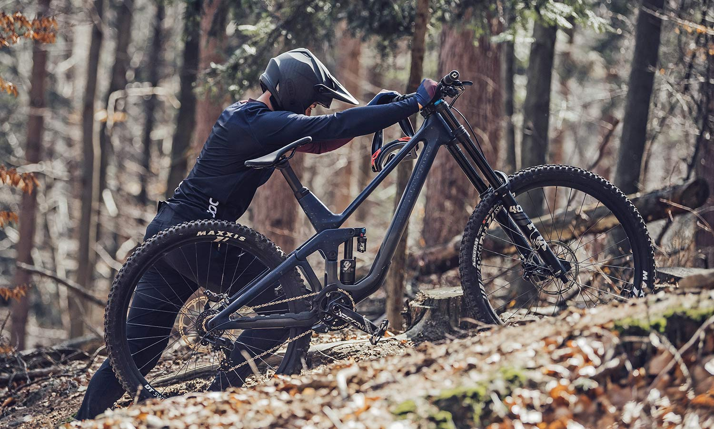 2021 Prime Rocket DH bike, affordable consumer-direct carbon 29er downhill mountain bike,pushing
