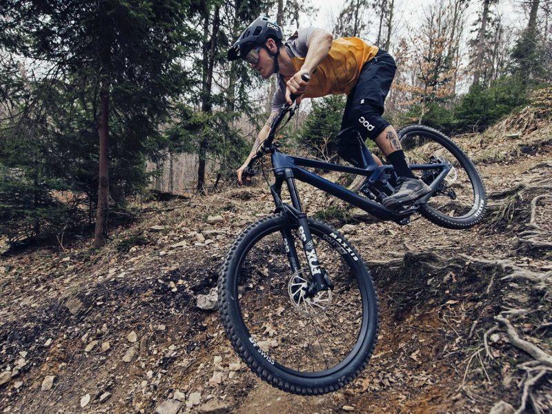 2021 Prime Thunderflash EN bike, affordable consumer-direct carbon 29er enduro mountain bike,riding