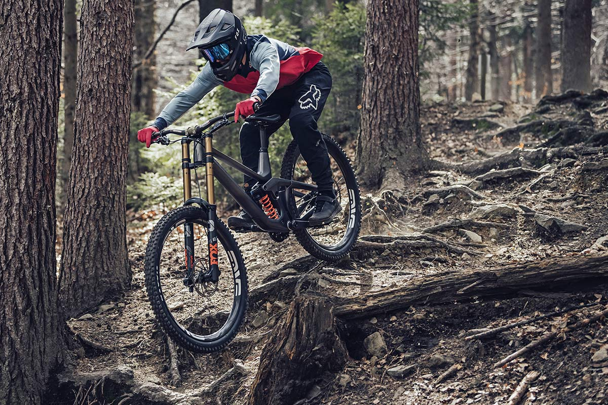 2021 Prime Rocket DH bike, affordable consumer-direct carbon 29er downhill mountain bike,riding rooty