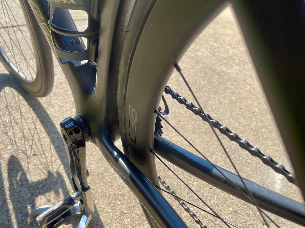 Roval C38 carbon wheels tire clearance on bike