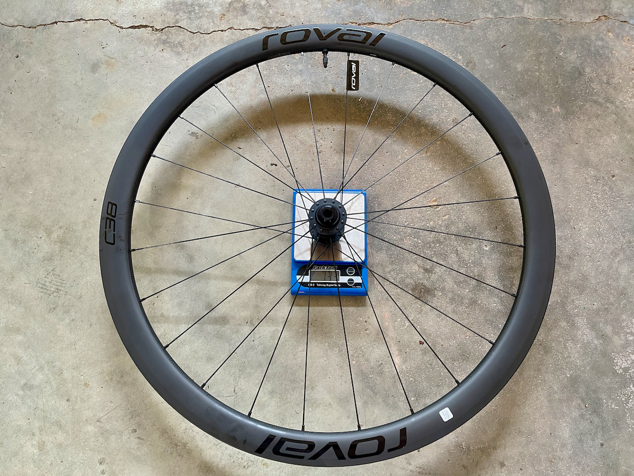 Roval C38 carbon wheels weight rear