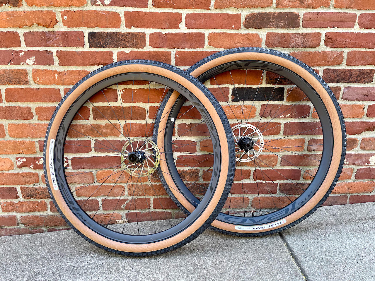 Specialized Control Carbon 29 Pair of wheels mounted