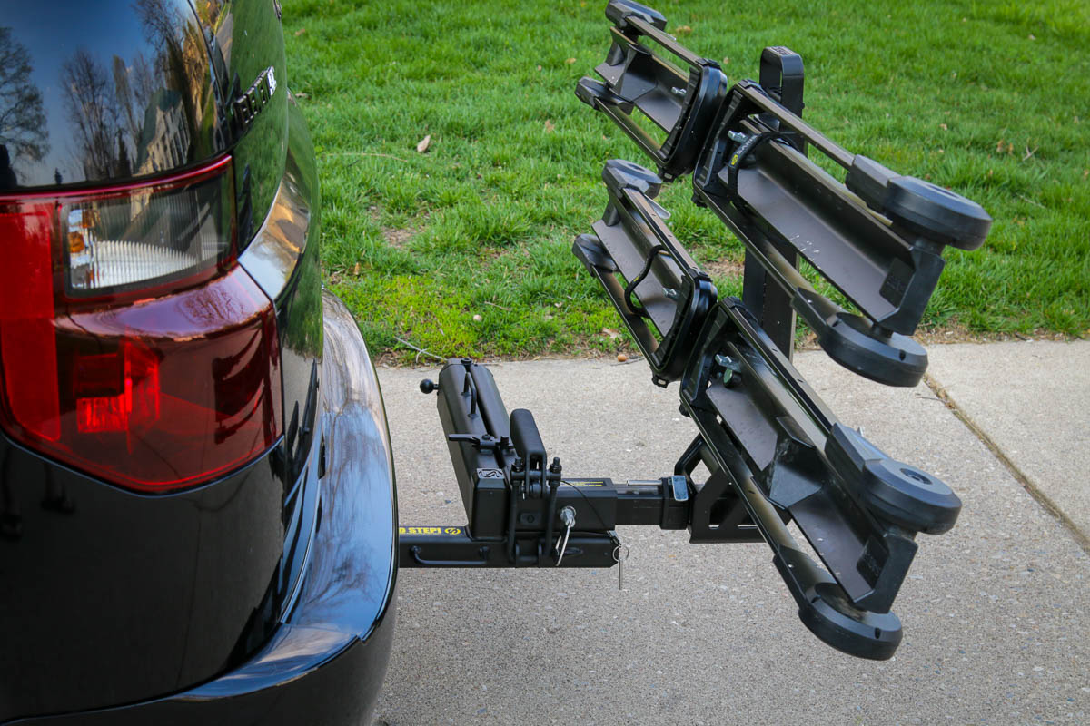 Saris Swing Away Hitch adapter clearance from vehicle