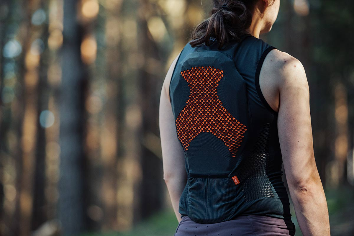 bluegrass seamless lite d3o back protection vest review back plate