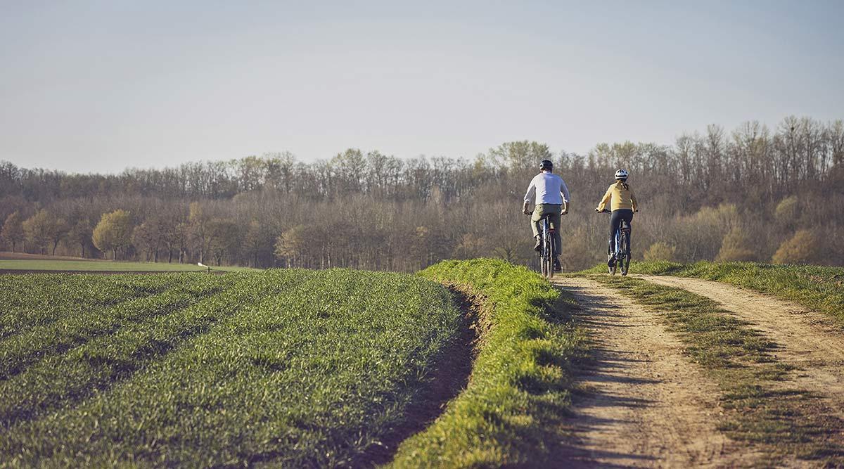 Shimano Deore XT LinkGlide drivetrain is 3x more durable, new LG MTB long-wearing mountain bike groupset,riding