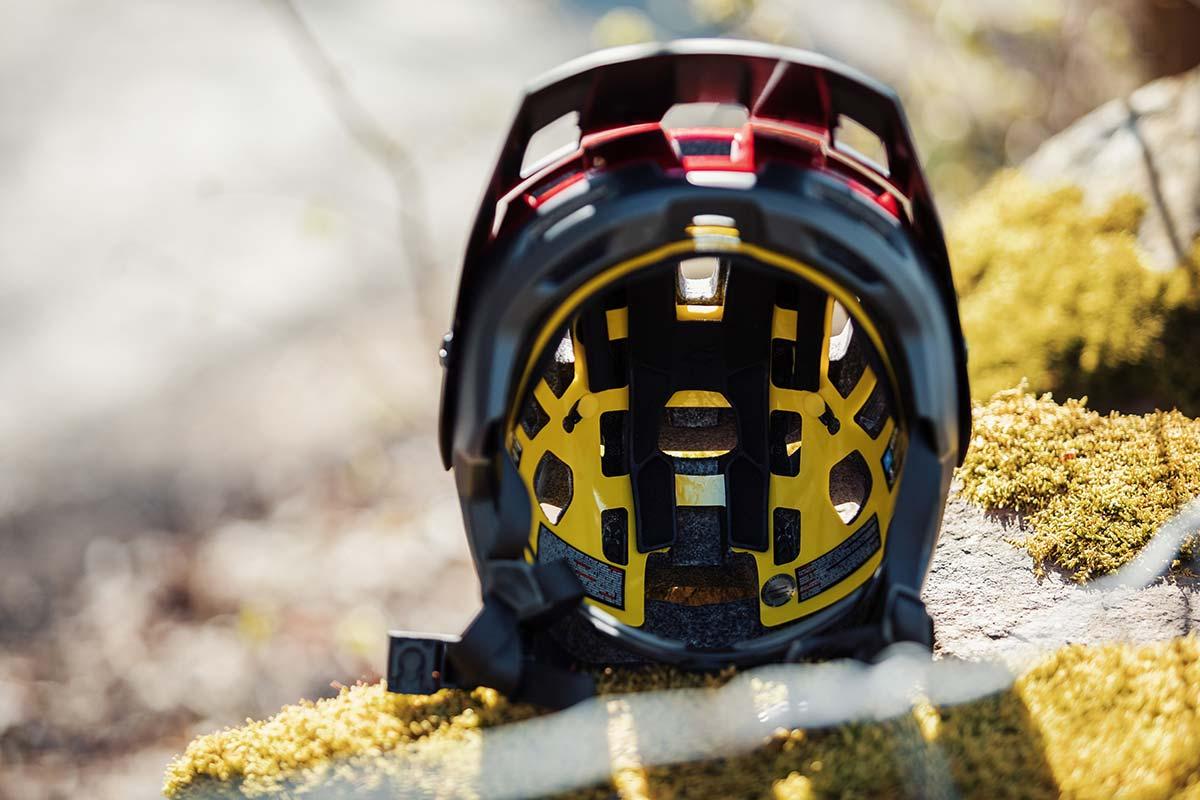 bluegrass rogue core mips helmet internal