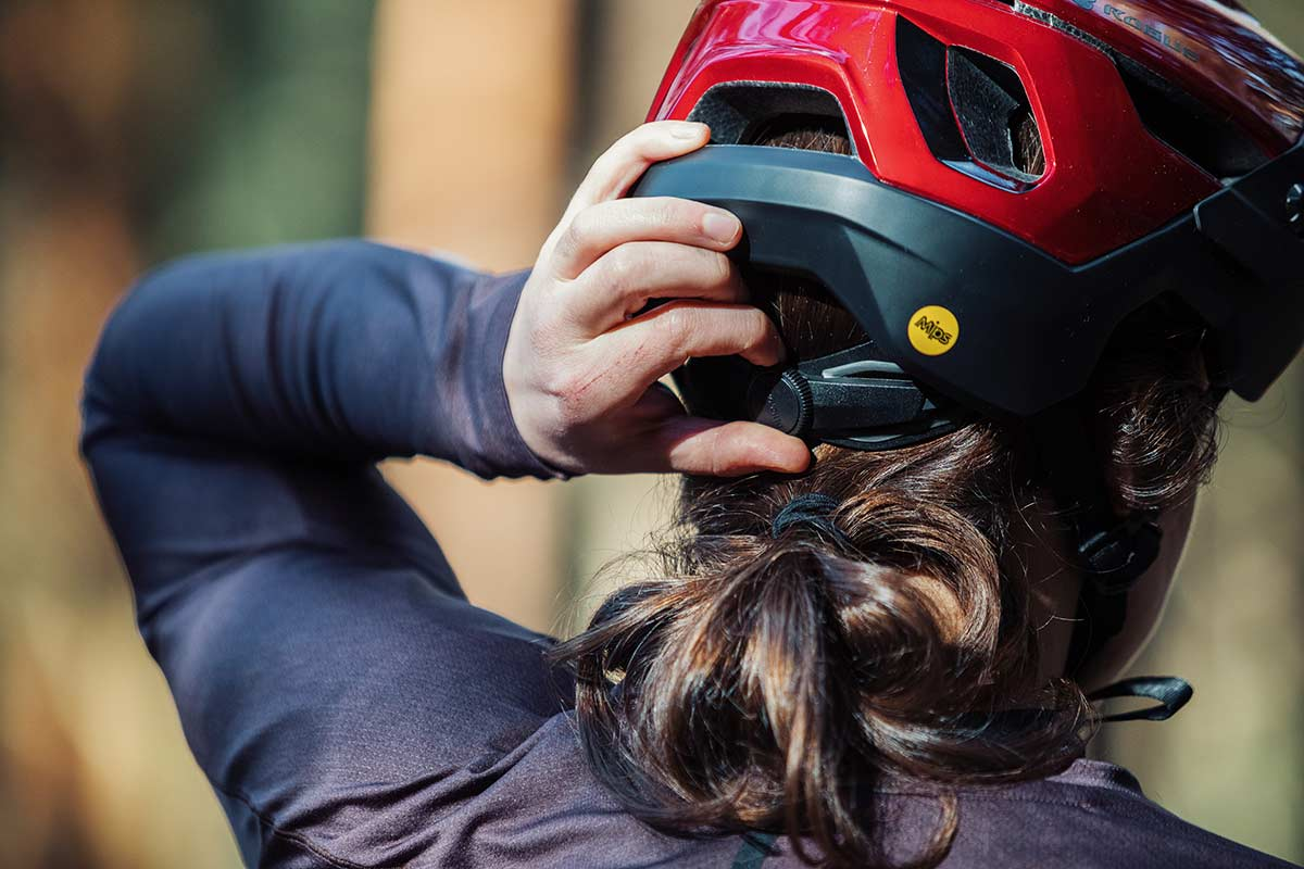 bluegrass rogue core mips mtb helmet review retention system dial