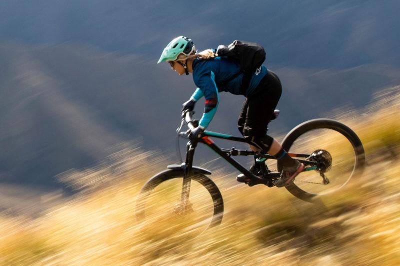 2021 SR Suntour Auron trail mountain bike fork with new EQ air spring