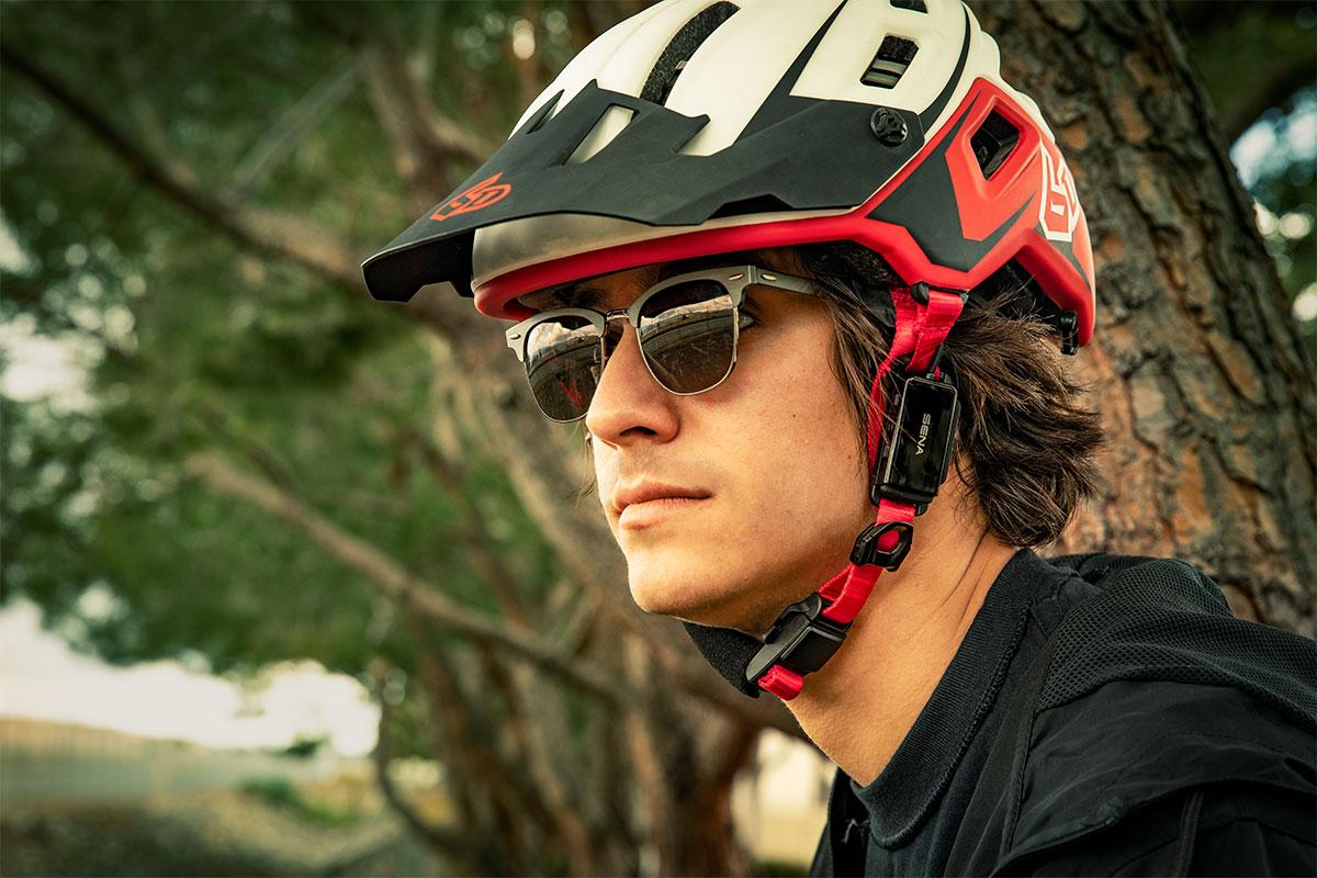 Sena Pi adds universal 2-way wireless communication to any helmet - Bikerumor
