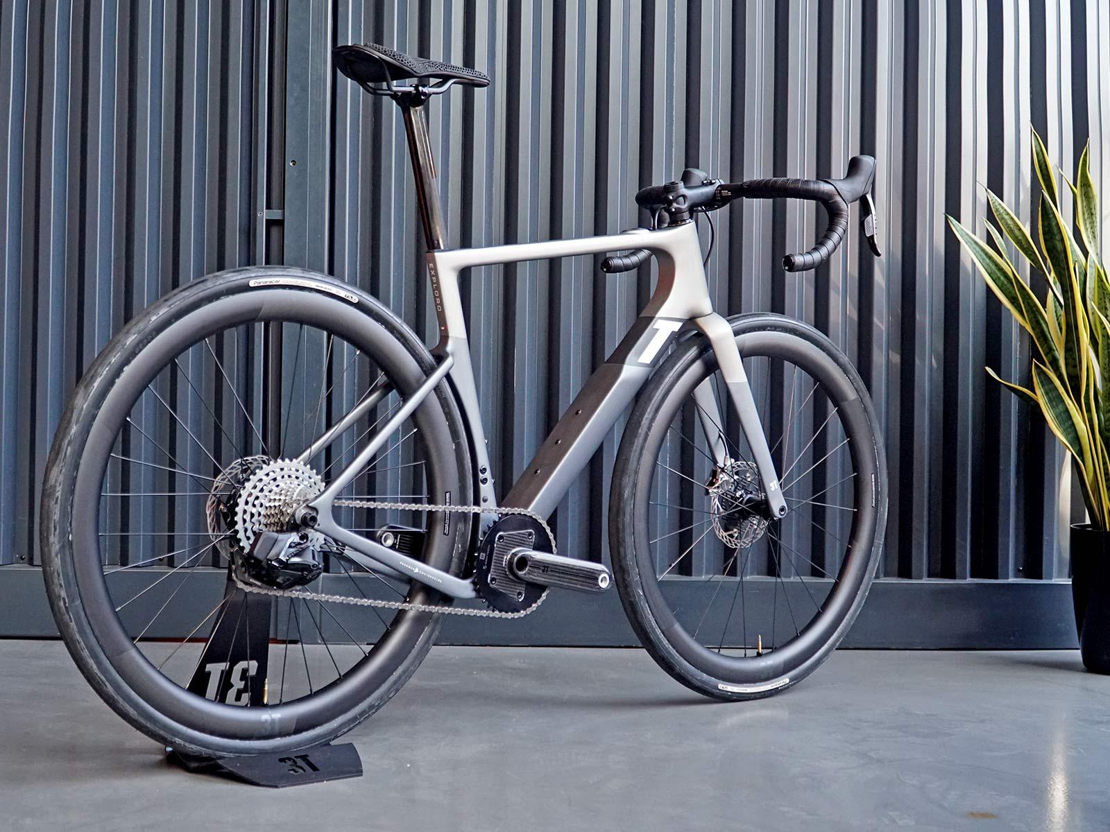 3T Exploro RaceMax Boost gravel e-bike, stealth ebikemotion X35 pedal-assist,Ultralight