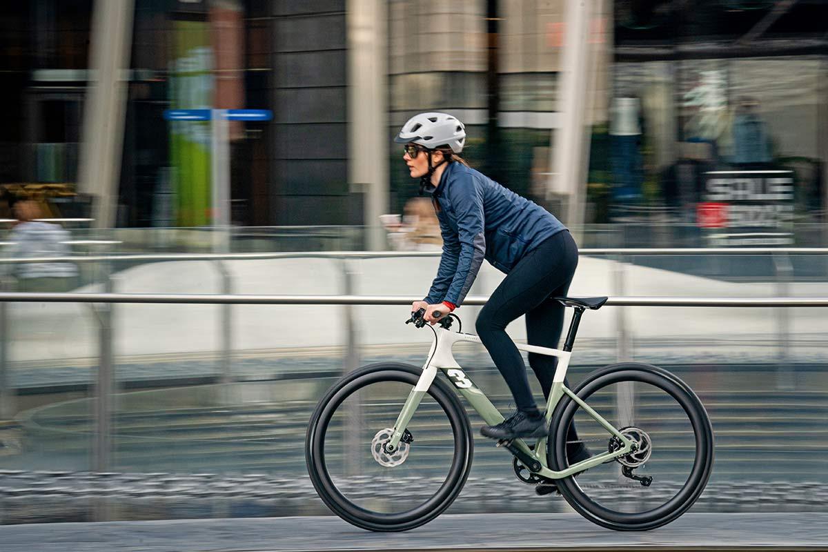 3T Exploro RaceMax Boost gravel e-bike, stealth ebikemotion X35 pedal-assist,commuter