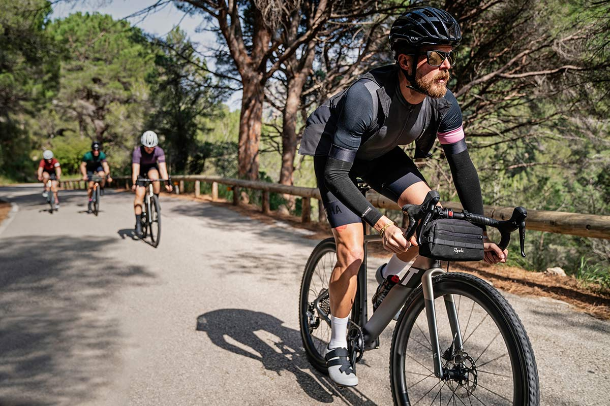 3T Exploro RaceMax Boost gravel e-bike, stealth ebikemotion X35 pedal-assist,fitness leveler