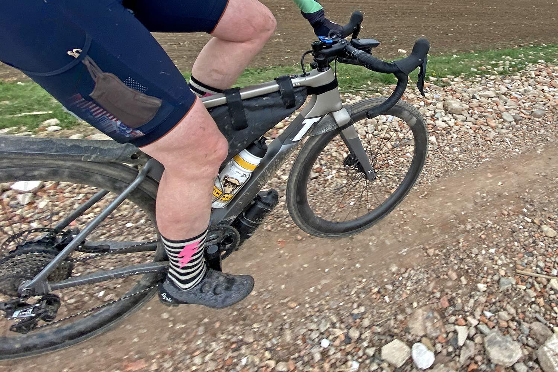 3T Exploro RaceMax Boost gravel e-bike ebikemotion X35 review,riding view