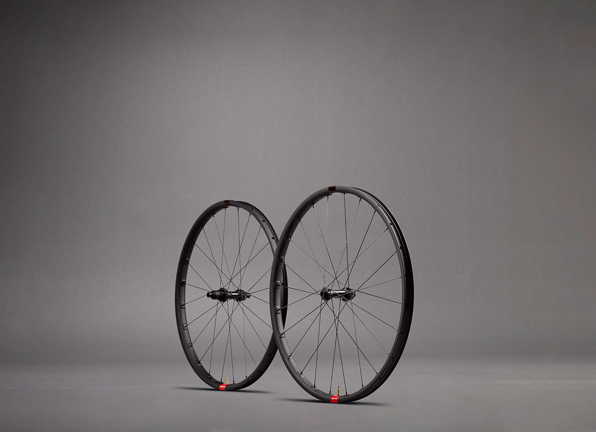 reserve 28 xc wheels carbon 28mm internal width rims