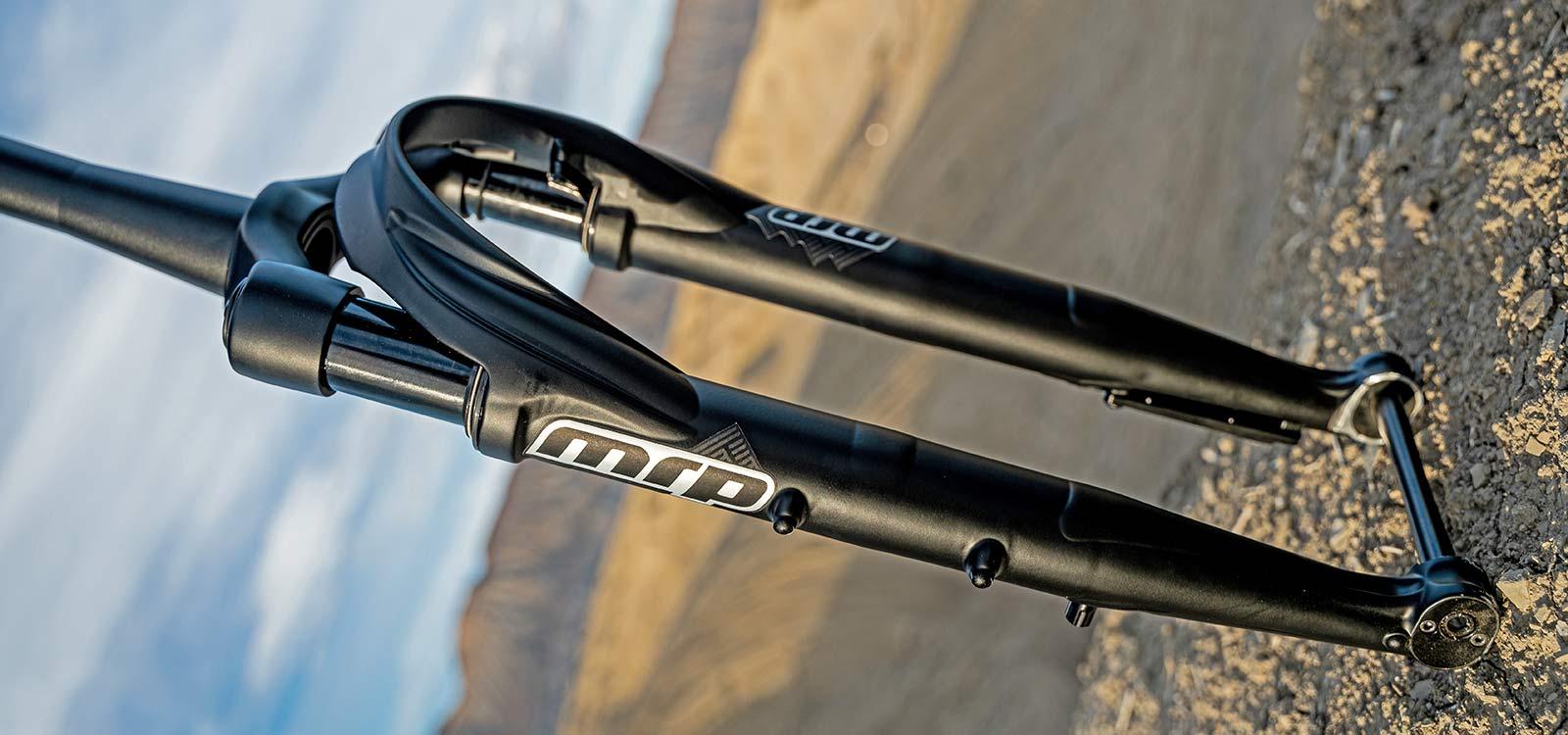 All-new MRP Baxter gravel fork, lightweight 40mm 60mm gravel bike-specific suspension,angled
