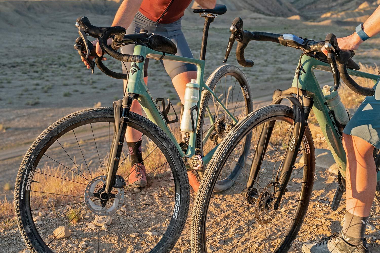 All-new MRP Baxter gravel fork, lightweight 40mm 60mm gravel bike-specific suspension,up close