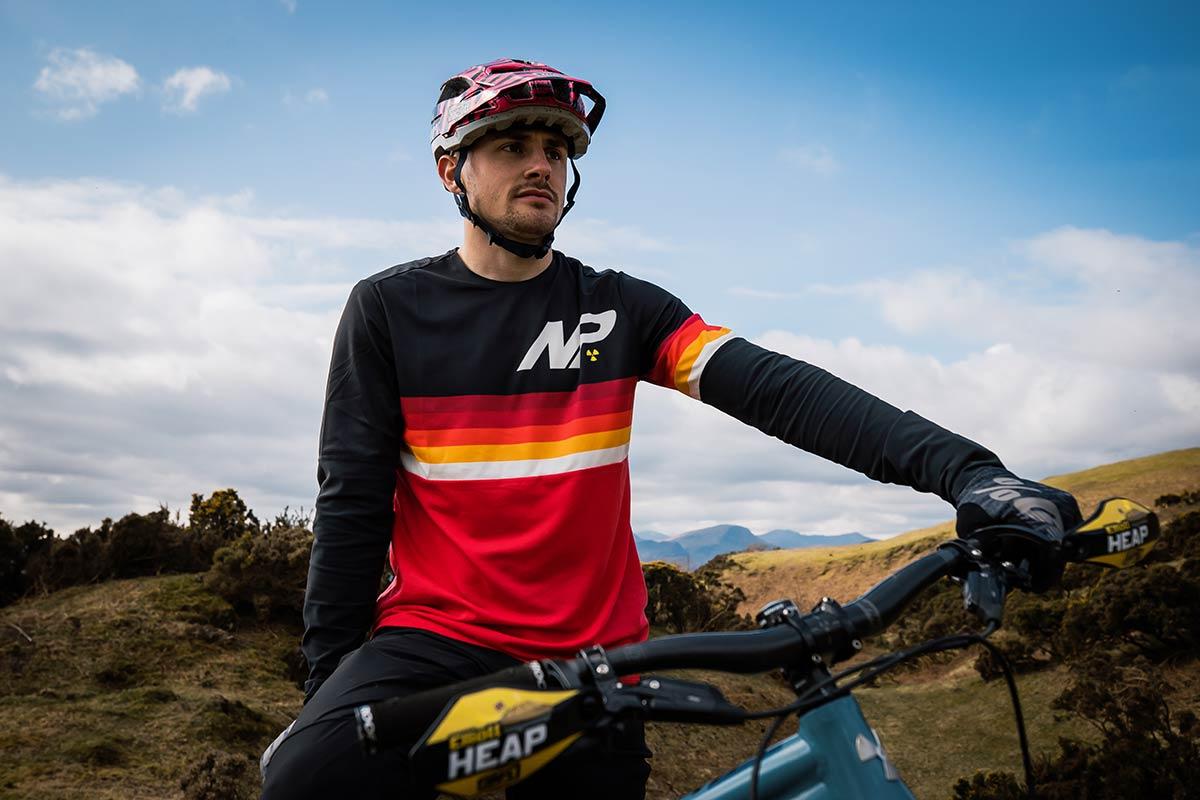 elliot heap models 2021 nukeproof ridewear blackline race jersey long sleeve