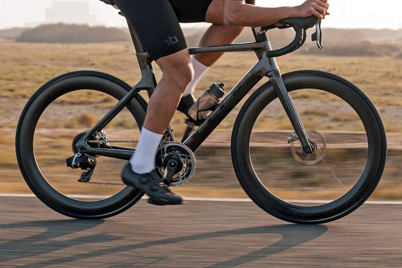 2021 Vitus ZX-1 EVO aero road bike, lightweight integrated aero carbon race bike, riding