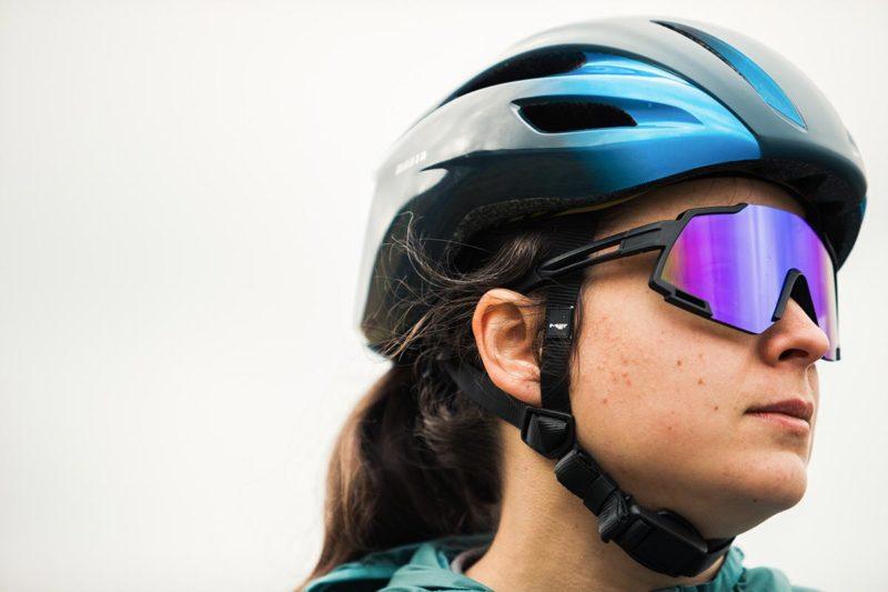 met manta mips road helmet review